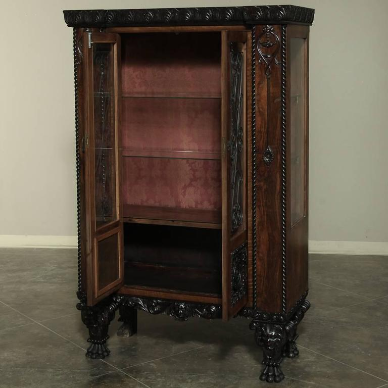 italian art deco walnut vitrine circa 1920 at 1stdibs. Black Bedroom Furniture Sets. Home Design Ideas