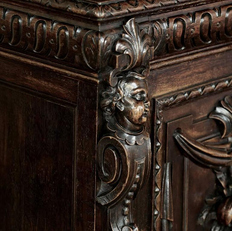 19th Century Renaissance Hand Carved Buffet Vaisselier