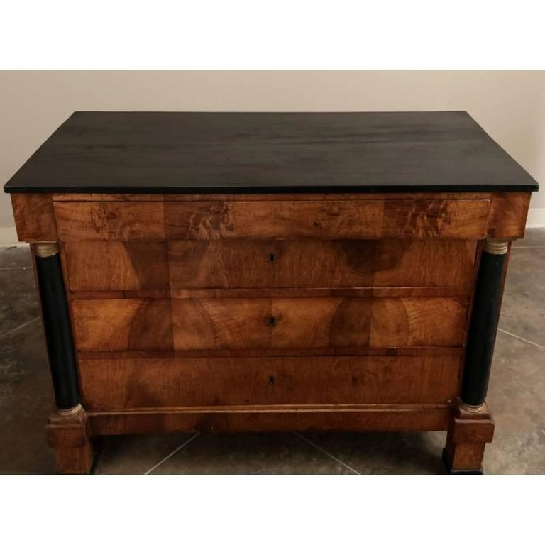 Antique Early 19th Century French Empire Period Commode In Excellent Condition For Sale In Dallas, TX