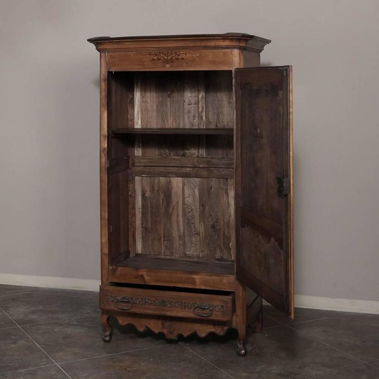 18th century country french solid cherrywood armoire or bonnetiere at 1stdibs. Black Bedroom Furniture Sets. Home Design Ideas