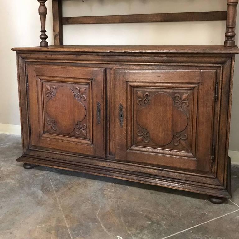19th Century Italian Rustic Country Oak Vaisselier For Sale 1