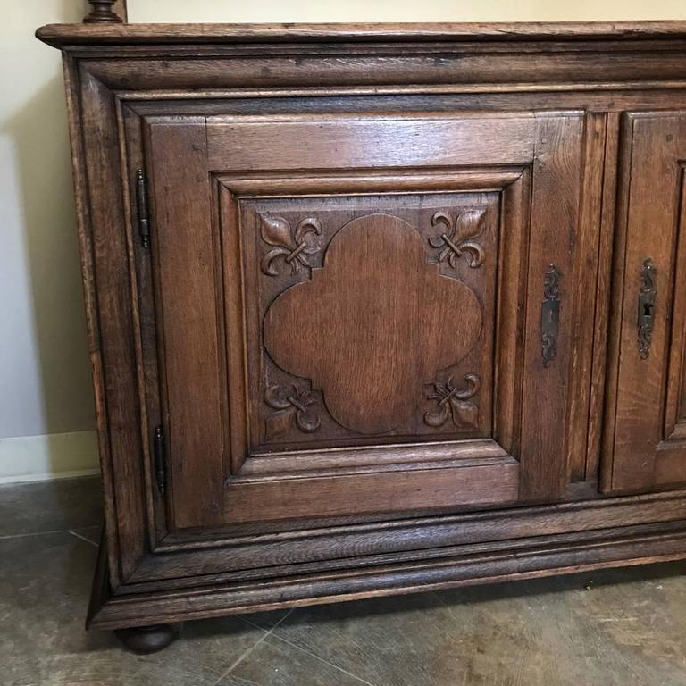 19th Century Italian Rustic Country Oak Vaisselier For Sale 3