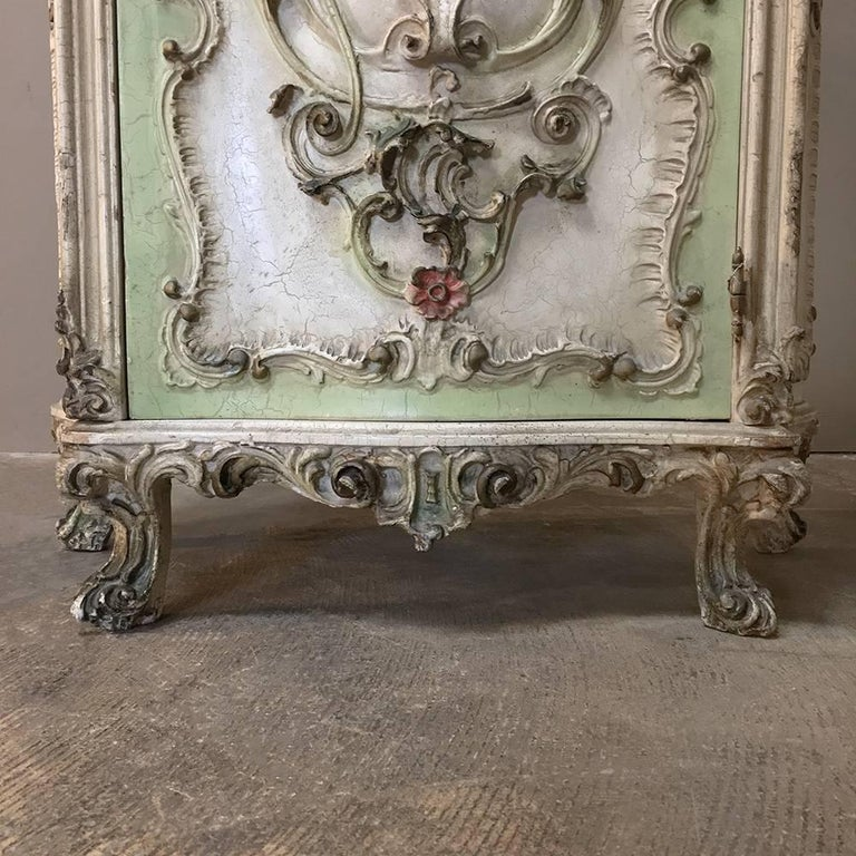 Antique venetian baroque style painted cabinet at 1stdibs for Antique baroque furniture