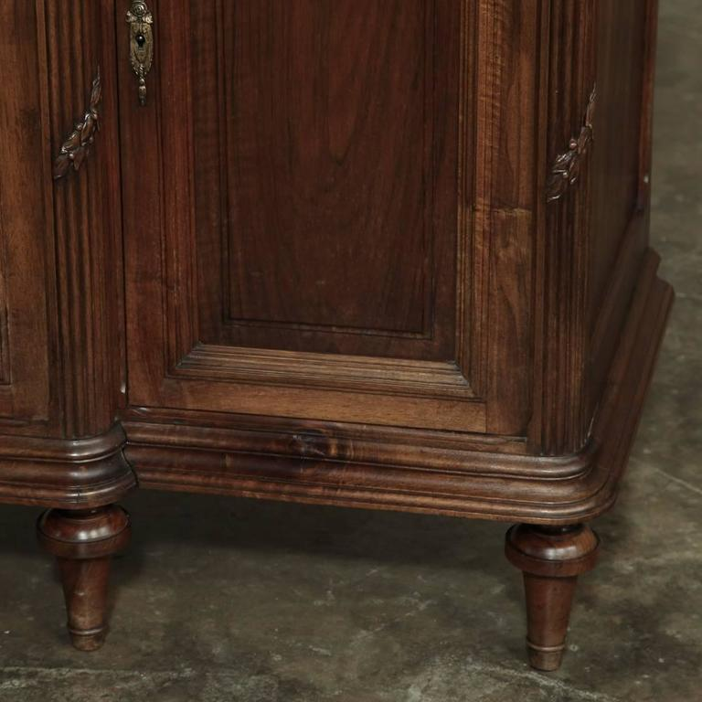 19th Century French Neoclassical Marble-Top Walnut Buffet 8