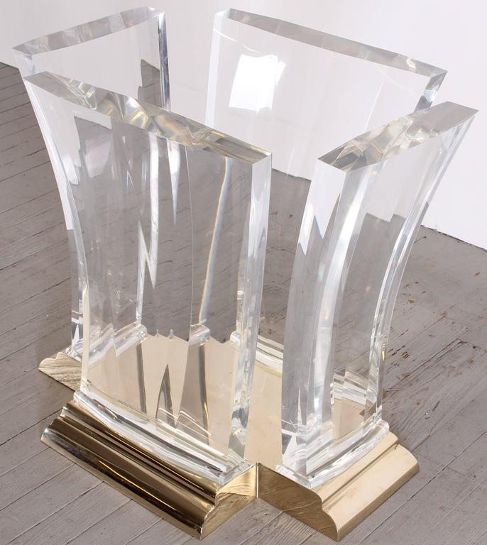 Washington Acrylic And Glass Dining Table For Spectrum