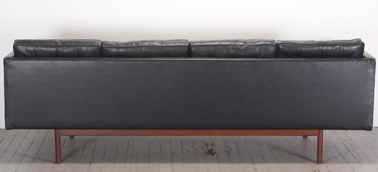 Milo Baughman for Thayer Coggin Black Vinyl Sofa, 1960s For Sale 1