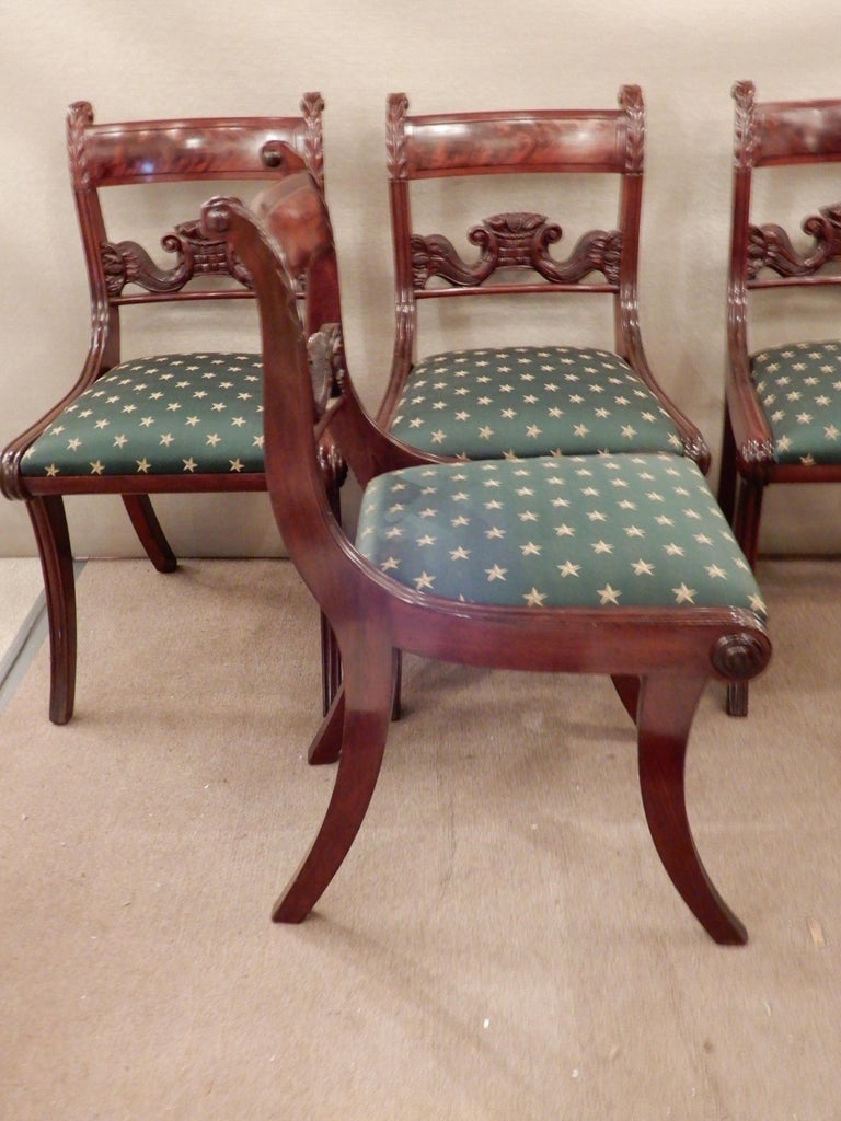 Chairs American Classical NY Dining Set of 4 In Good Condition For Sale In Long Island, NY