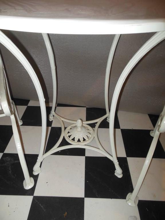 Bistro Set, Cast Iron Table and Chairs with Shell & Sea Horses In Good Condition For Sale In Long Island, NY