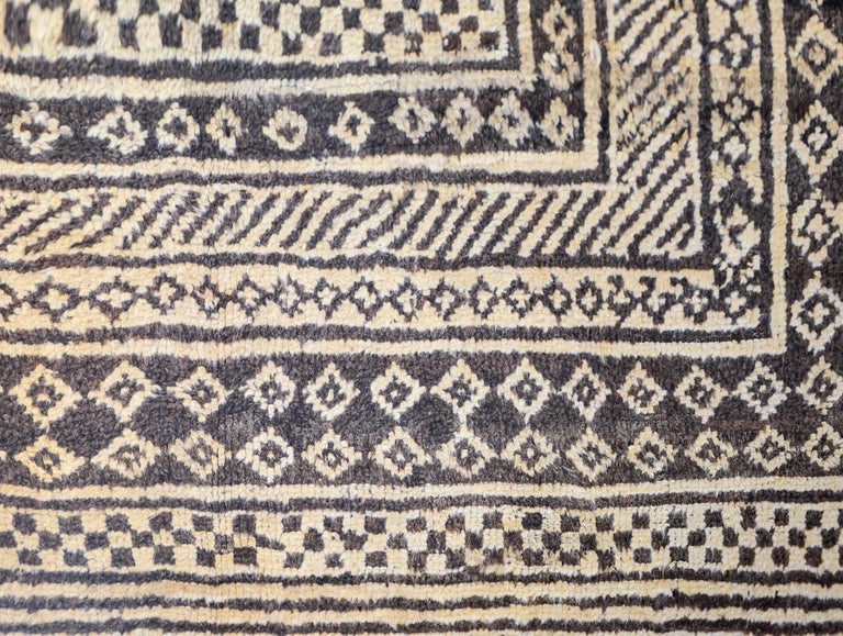 Vegetable Dyed Fantastic 19th Century Gabbeh Rug For Sale