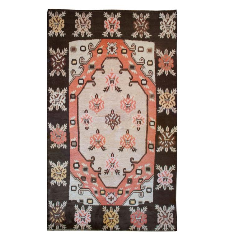 Early 20th Century Samarkand Carpet For Sale