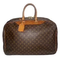 Louis Vuitton Weekender Bag with Iconic LV Monogram and Leather Trim