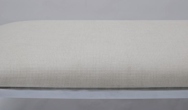 20th Century D.I.A. Race-Track Form Bench in Polished Chrome and Cream Upholstery Fabric For Sale