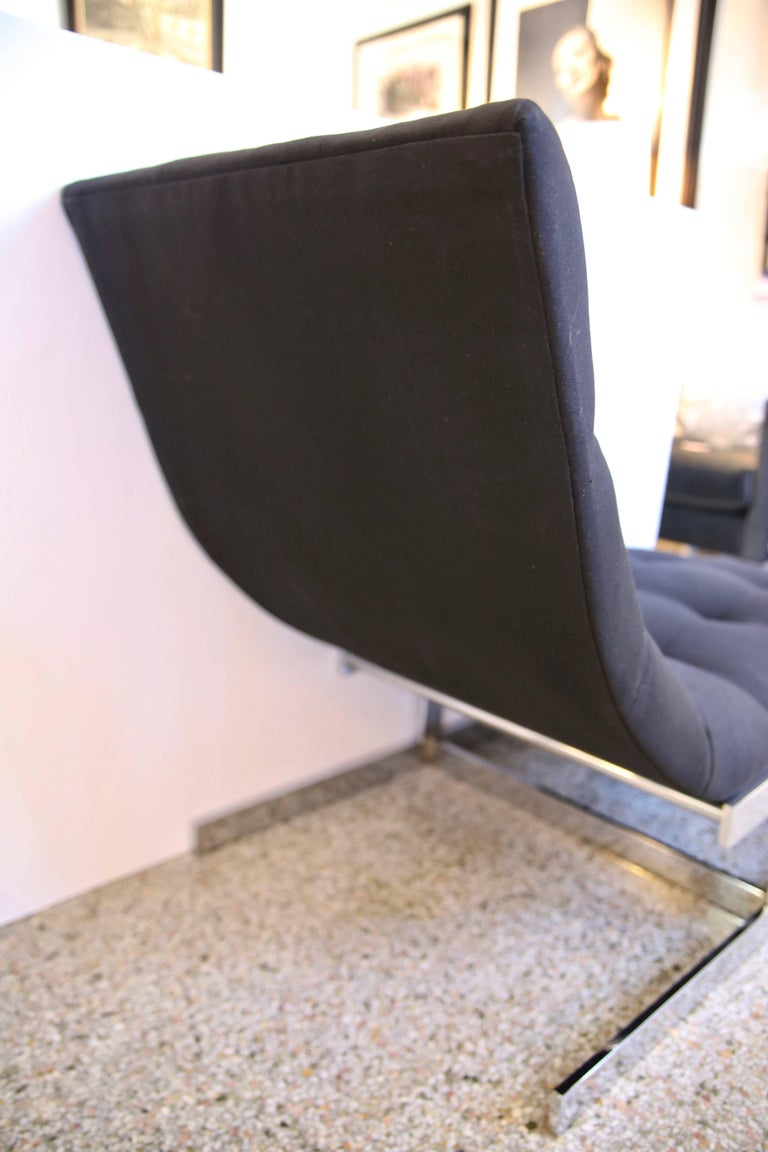 20th Century Chaise in Polished Chrome and Black Upholstery For Sale