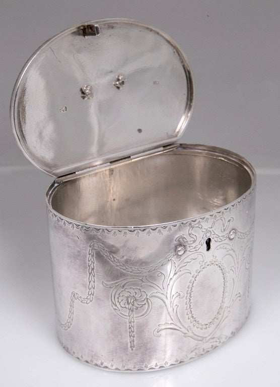 Great Britain (UK) Antique Sterling Silver Repousse Tea Caddy Box 1786 William Plummer London For Sale