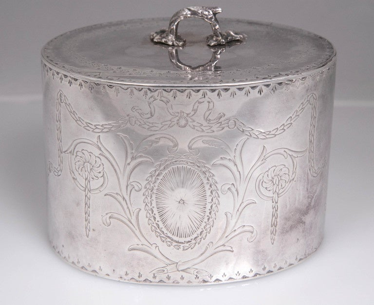 Antique Sterling Silver Repousse Tea Caddy Box 1786 William Plummer London In Excellent Condition For Sale In Stamford, CT
