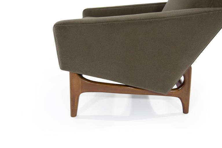 Scandinavian Modern Lounge Chairs on Sculptural Teak Bases For Sale 1