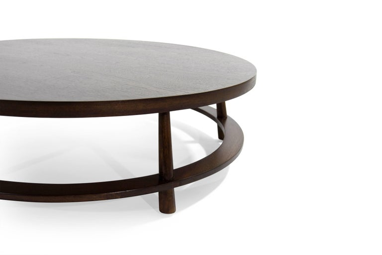 T.H. Robsjohn-Gibbings for Widdicomb Round Walnut Cocktail Table, 1954 In Excellent Condition For Sale In Stamford, CT