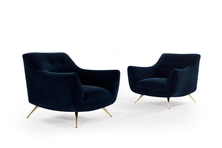 Mid-Century Modern Henry Glass Lounge Chairs in Navy Mohair In Excellent Condition For Sale In Stamford, CT