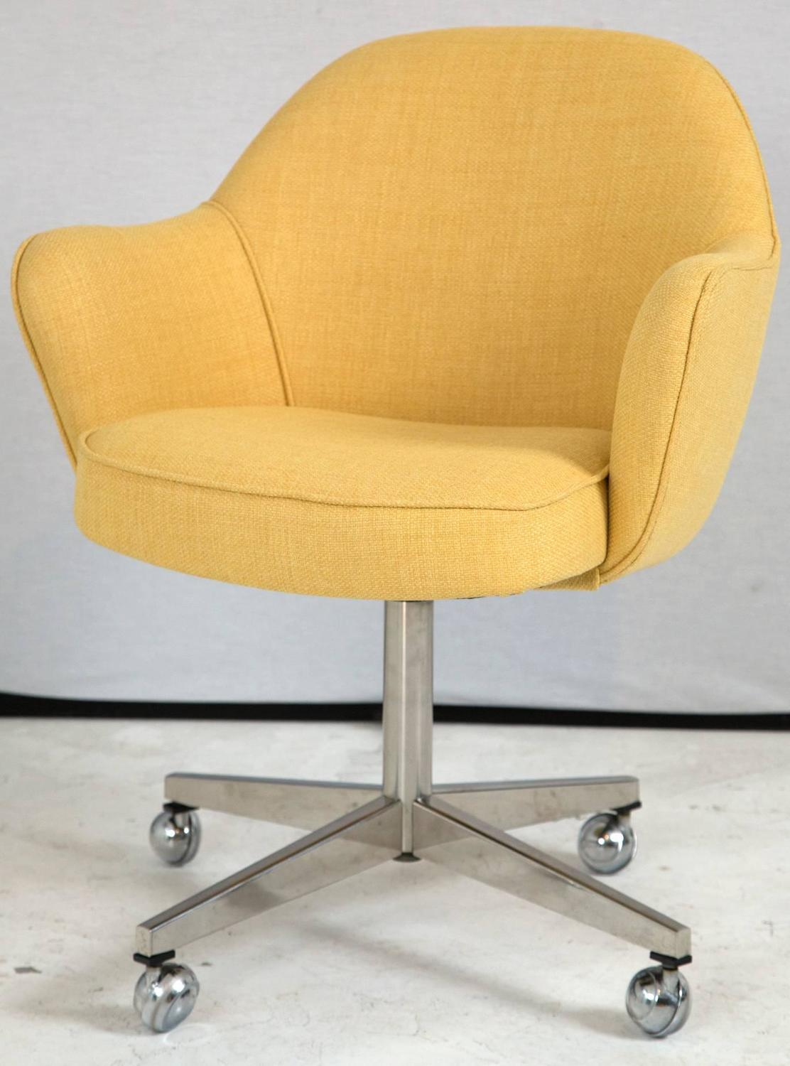 Saarinen For Knoll Executive Arm Chair In Yellow Microfiber Swivel Base At 1stdibs