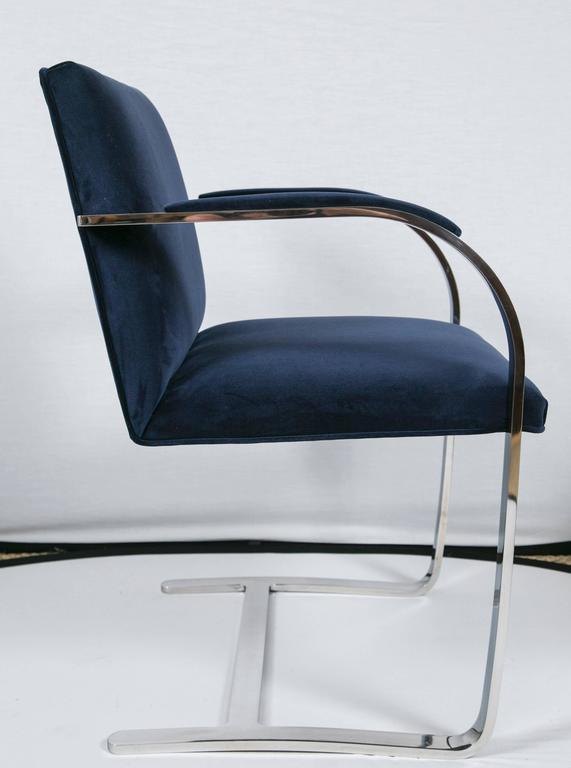 Flat Bar Brno Chair in Navy Velvet In Excellent Condition For Sale In Bridgeport, CT