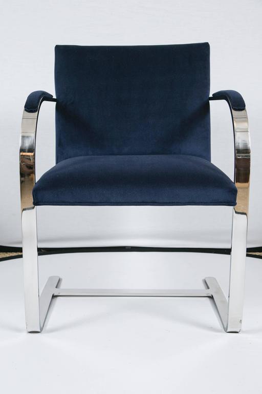 Mid-Century Modern Flat Bar Brno Chair in Navy Velvet For Sale