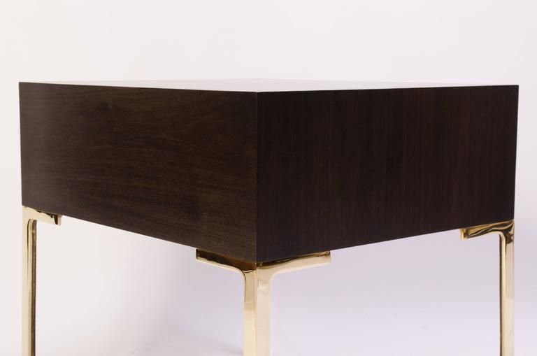 Astor Brass Nightstands in Ebony & Ivory Walnut by Montage In Excellent Condition For Sale In Bridgeport, CT