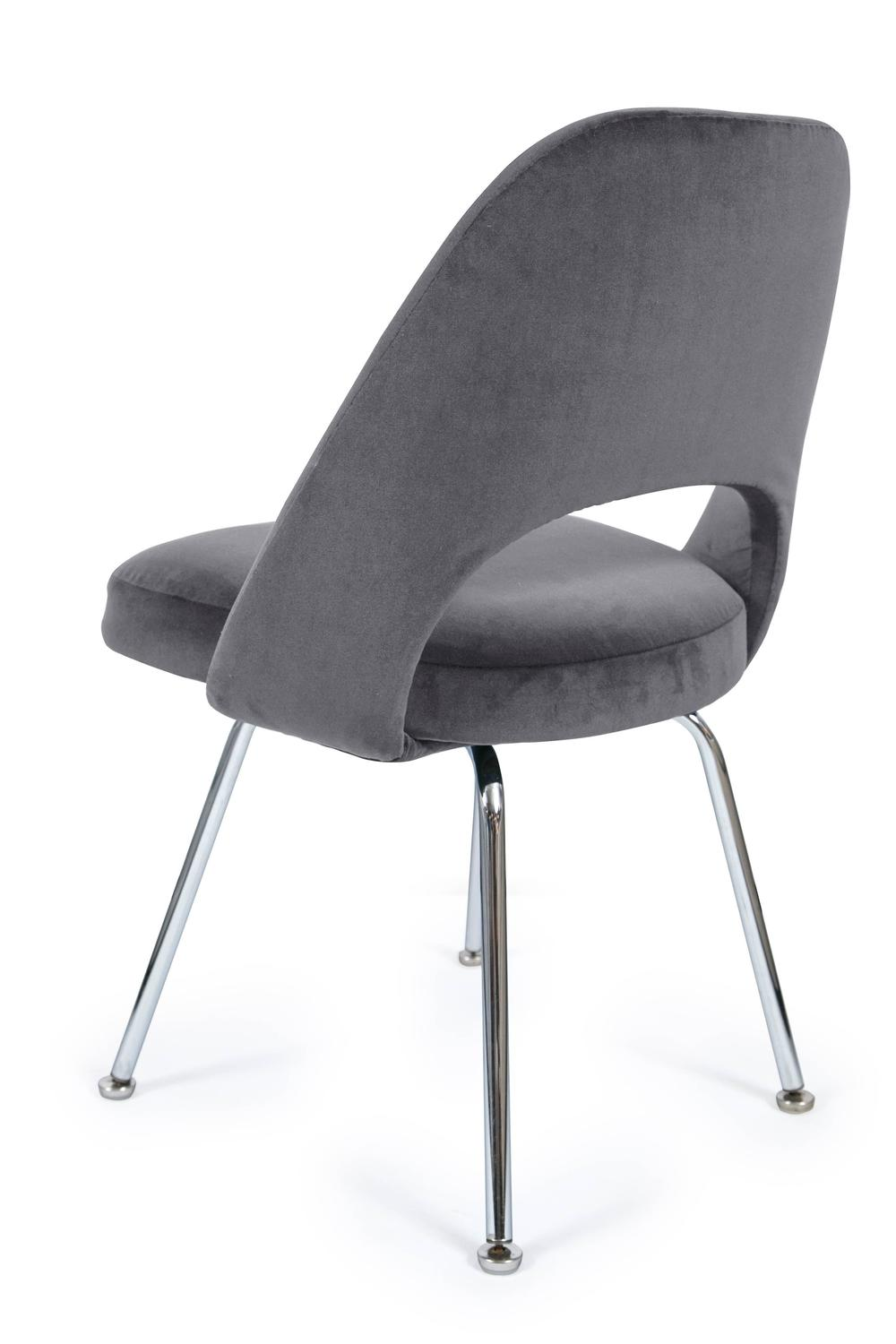 Saarinen executive armless chairs in gunmetal grey velvet for Saarinen executive armless chair