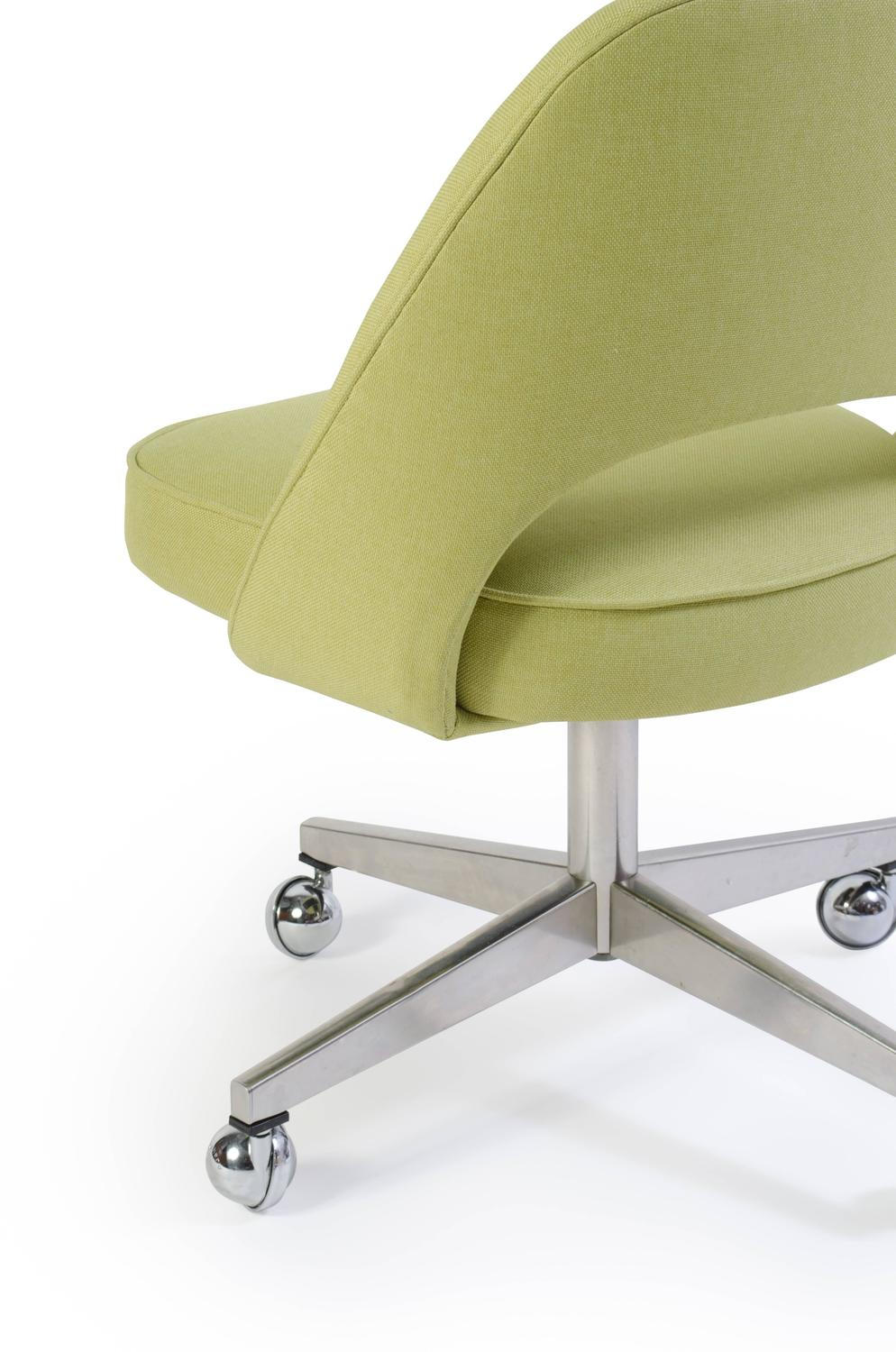 Saarinen Executive Armless Chair With Swivel Base In Green Set Of Six For Sa