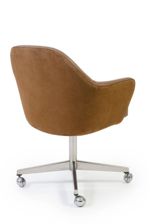 Astonishing Saarinen Executive Arm Chair In Saddle Leather Suede Swivel Base Caraccident5 Cool Chair Designs And Ideas Caraccident5Info