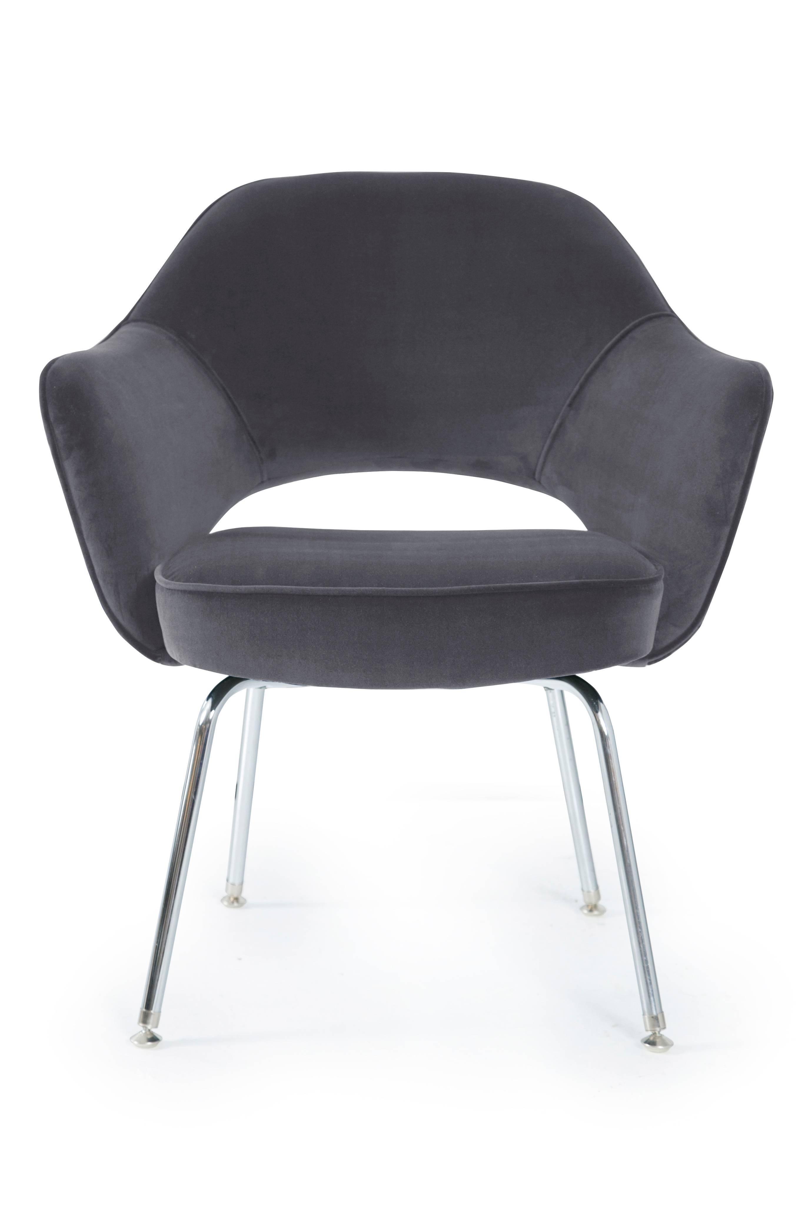 Saarinen Executive Arm Chairs In Gunmetal Velvet For Sale At 1stdibs