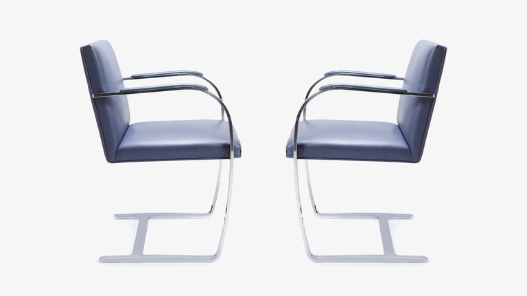 Mid-Century Modern Mies Van Der Rohe for Knoll Brno Flat-Bar Chairs in Navy Leather, Pair For Sale