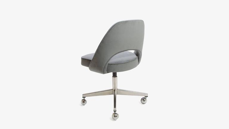 Mid Century Modern Saarinen Executive Armless Chair In Gunmetal Moleskin,  Swivel Base For Sale