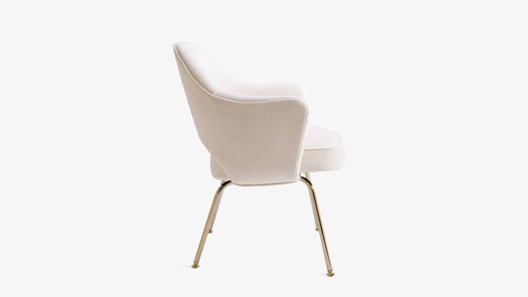 Saarinen Executive Armchair in Crème Velvet, 24-Karat Gold Edition, Set of 6 4