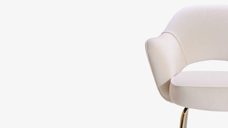 Saarinen Executive Armchair in Crème Velvet, 24-Karat Gold Edition, Set of 6 7