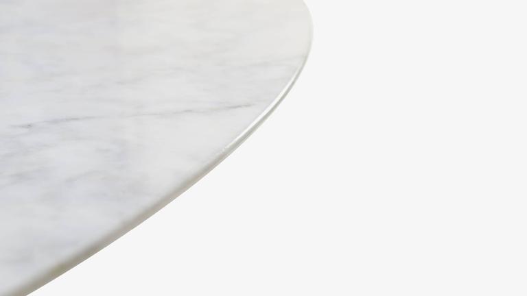 American Saarinen Oval Tulip Coffee Table in Gloss Carrara Marble For Sale