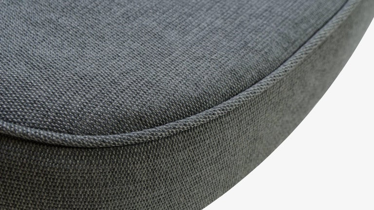 Saarinen Executive Arm Chair in Textured Charcoal Weave, Swivel Base For Sale 1