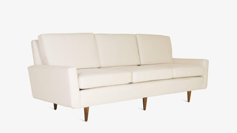 Florence Knoll's name goes hand in hand with all things quintessential mid-century. Montage carries several vintage Florence Knoll 3-Seat sofas however this earlier version of her design is also a design delight in its own right. Clearly the