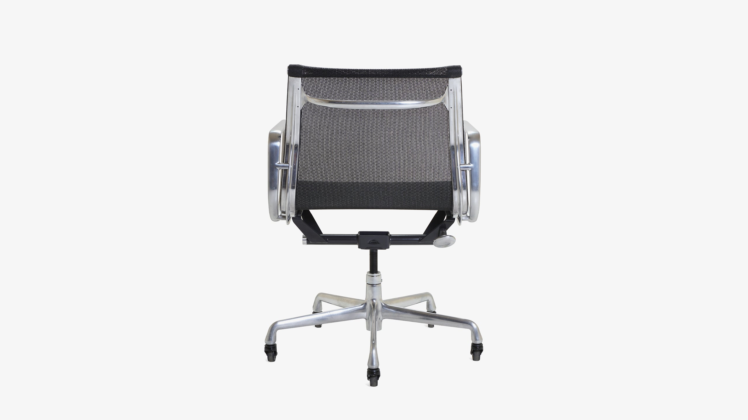 Aluminum Group Management Chair By Charles And Ray Eames For