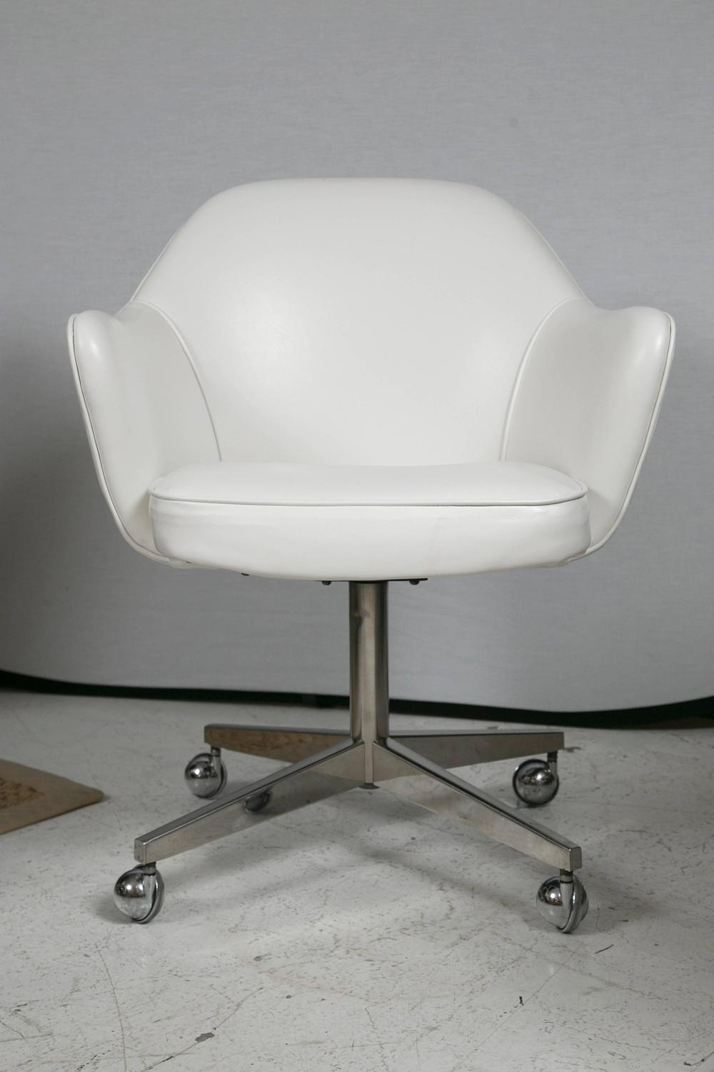 Knoll desk chair in white leather for sale at 1stdibs for Desk chair white leather