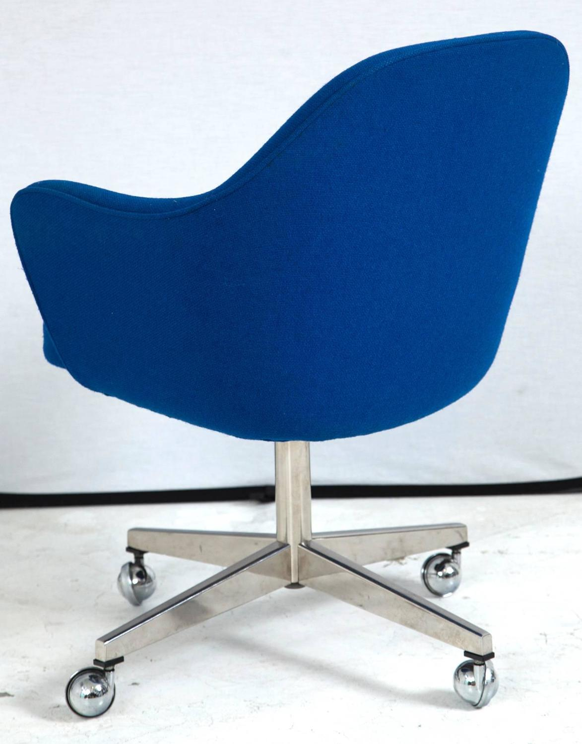 Knoll desk chair in vintage knoll blue at 1stdibs - Knoll life chair parts ...
