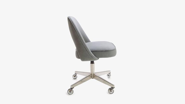 Saarinen executive armless chairs in gray moleskin swivel for Saarinen executive armless chair