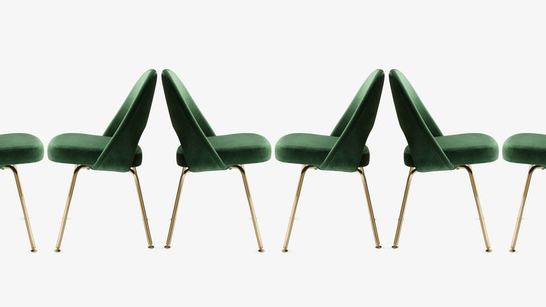 Saarinen Executive Armless Chairs in Emerald Velvet, 24k Gold Edition, Set of 6 In Excellent Condition For Sale In Bridgeport, CT