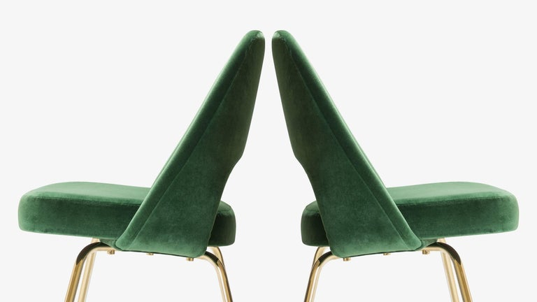 Contemporary Saarinen Executive Armless Chairs in Emerald Velvet, 24k Gold Edition, Set of 6 For Sale