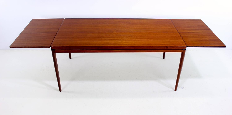 Danish Modern Teak Draw Leaf Dining Table Designed By