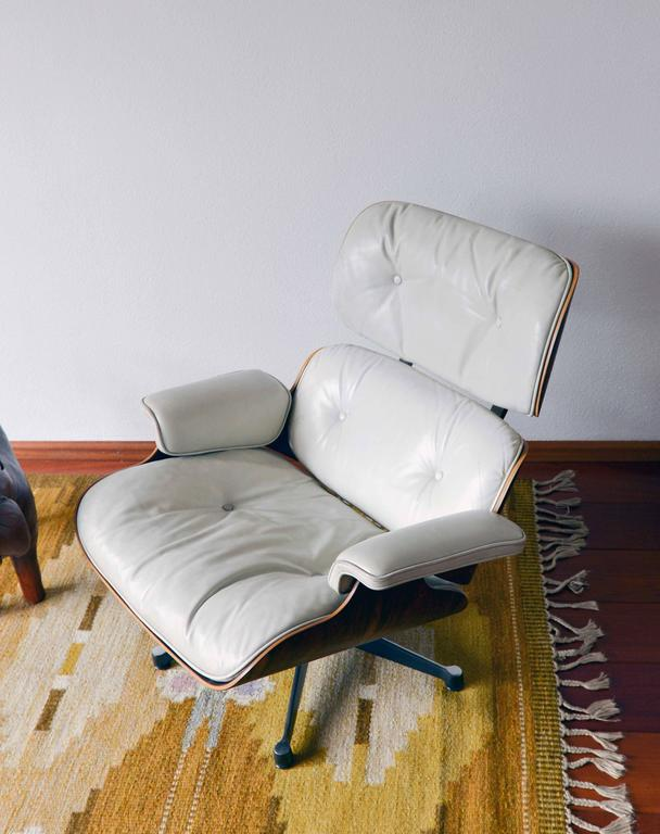 Mid-20th Century White Leather Lounge Chair, Charles Eames