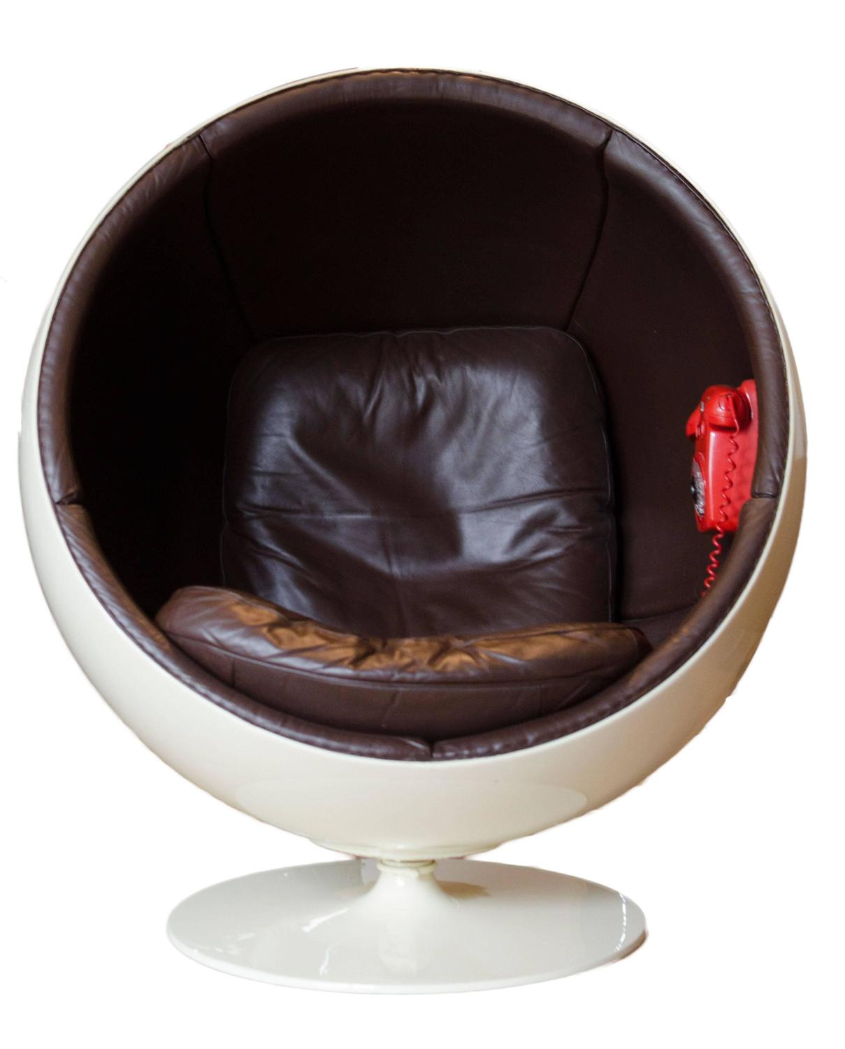 Extremely rare ball chair by eero aarnio made by asko with phone for sale - Fauteuil ballon eero aarnio ...