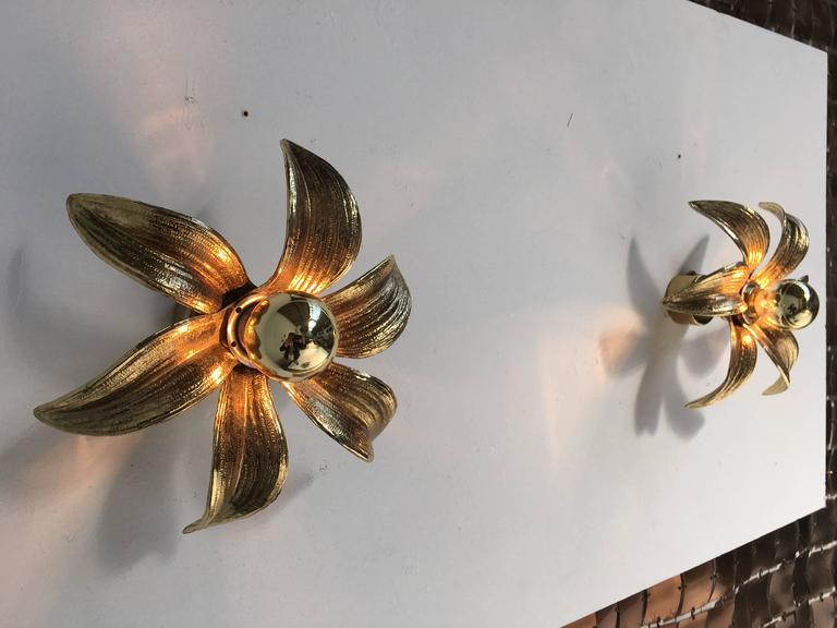 Mid-Century Modern Pair of 1970s Brass Flower Appliques Maison Jansen Style For Sale