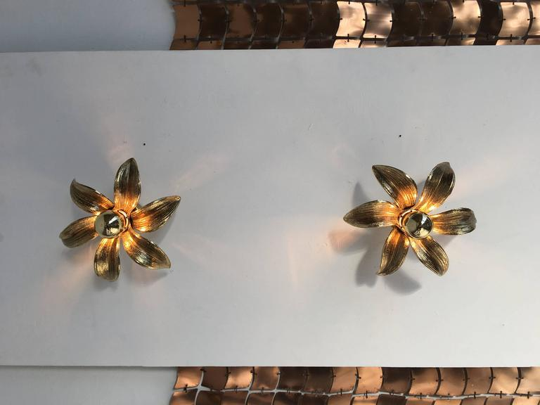 Plated Pair of 1970s Brass Flower Appliques Maison Jansen Style For Sale