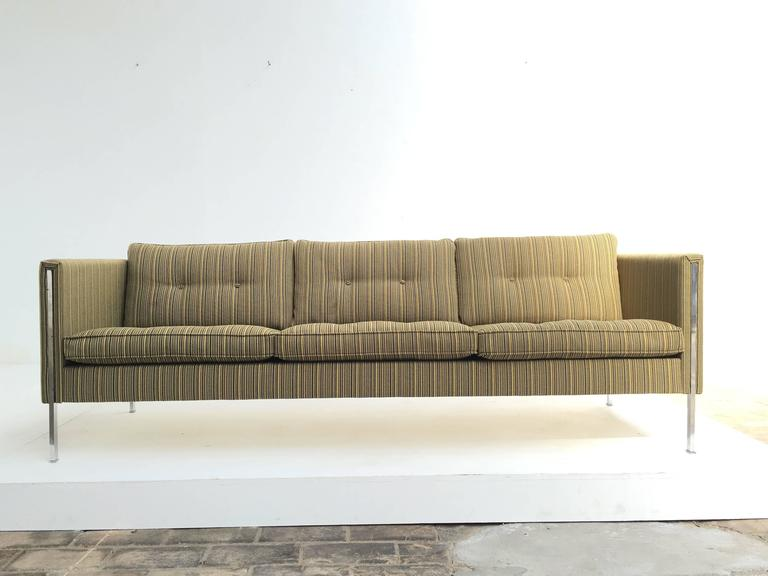 This extremely comfortable model 442/3 seats sofa from Dutch manufacturer Artifort is a design from French Designer Pierre Paulin (1927-2009) who currently has a major exhibition on his work running in the Centre Pompidou Paris.  The sofa consists