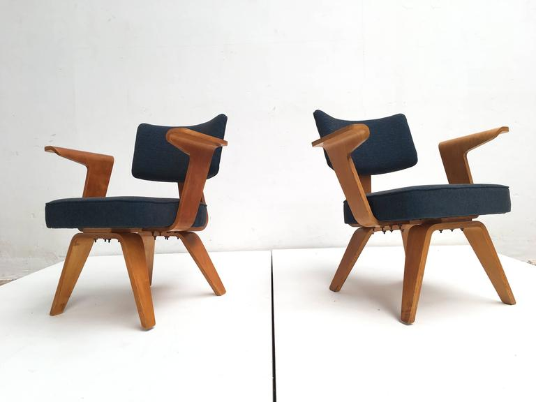 Lovely pair of rare early Dutch Modernism moulded plywood easy chairs with armrests  Cor Alons was the first Dutch interior and Industrial designer that started to work with moulded plywood just after WWII 1945-1950 in The Netherlands  His